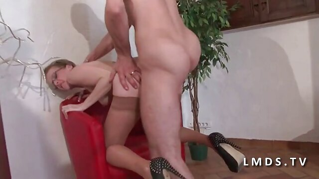 Meilleur porno sans inscription  MRY video x amateur en streaming - Nasty Babe suce profondément une grosse bite