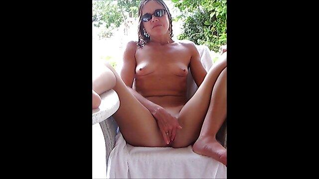 Meilleur porno sans inscription  Blonde film porno français gratuit enceinte montre son corps dans la salle de bain