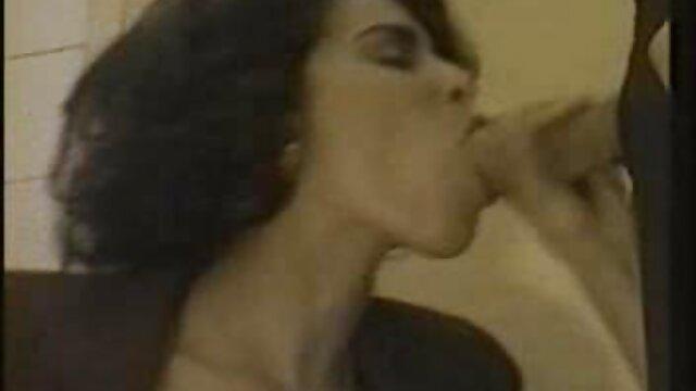 Meilleur porno sans inscription  Holly BAISE dans sa voiture film vidéo porno !!!