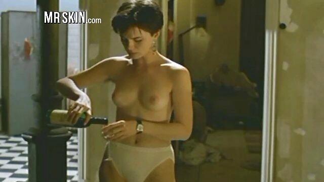 Meilleur porno sans inscription  Addison exhibant son corps chaud video x hard gratuit en bas nylon