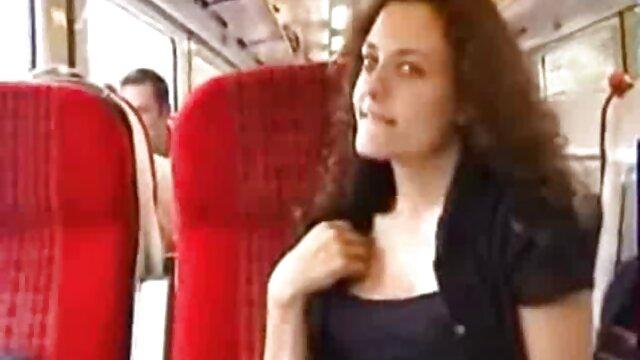 Meilleur porno sans inscription  La milf blonde Nicole se fait démonter film porno vidéos avec ses doigts