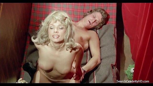 Meilleur porno sans inscription  Une brune à queue de cochon lèche une blonde un film porno en vidéo chaude